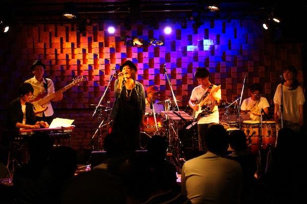 Emilly Tokuzo Live